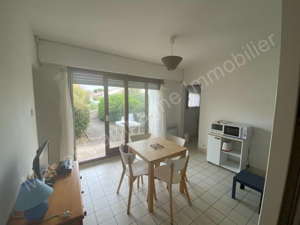 Appartement à vendre Brétignolles-sur-Mer 5482 Dans le quartier du Pied de Chaume (quartier prisé) à 400 m de la mer et 800 m du centre-ville de Brétignolles sur mer et dans une résidence calme